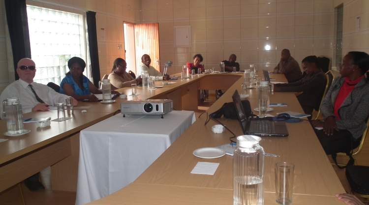 Article 3 - Participants to the workshops listening to the lectures attentively